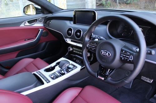 KIA STINGER GT S 011