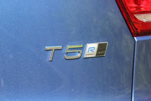 VOLVO XC40 T5 R DESIGN PRO 010